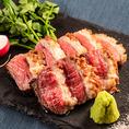当店自慢の肉バルメニューを豊富にご用意しております。ローストビーフやサーロインステーキ、ハラミの炙り焼きなど、自慢の肉料理をぜひ一度ご賞味ください。ワインとの相性も◎!種類豊富なドリンクメニューをご用意しておりますので、お気に入りの組み合わせをお探しください。