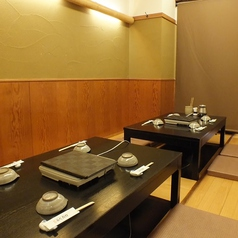 おしゃれな内装☆和の空間で贅沢なふぐ料理。鱧料理をご堪能ください♪12名までの個室、16名までの個室をご用意。間仕切りをなくすと最大55名様まで収容可能!