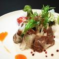 料理メニュー写真A5黒毛和牛と山芋の生春巻き