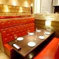 プライベート感のあるボックスシートは、大人が6名まで座れるので、お友達同士やご家族のお食事にピッタリです。