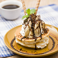 料理メニュー写真チョコ&バナナパンケーキ