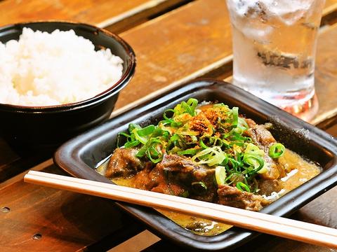 国産和牛100%のスジ肉をじっくり煮込んだ、大阪のソウルフード『どて焼き』専門店。