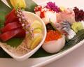 料理メニュー写真鮮魚の刺身盛り合わせ