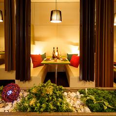 お洒落な店内は、2名様から12名様までの少人数宴会個室をご用意しております。新宿での様々な用途に合わせて最適な個室席へご案内させていただきます。新宿での各種宴会にぜひご利用ください。