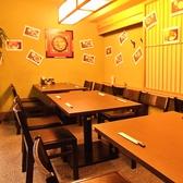 4名様用テーブル席もご用意。会社帰り、ご友人同士、ご家族と様々なシーンにご利用下さい。