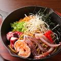 料理メニュー写真海鮮ミックス焼そば(えび、いか、たこ)