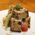 料理メニュー写真くるみとメープルのパウンドケーキ