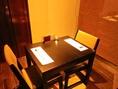 家族・友人とゆっくりお食事が愉しめます◎4名様掛けと繋げて6名様のお席にも。