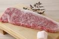 本当に美味しいお肉のみをご提供。亀井牧場の近江牛を使い、1ランク上の食べ放題を実現!