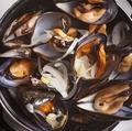 料理メニュー写真ムール貝のホワイトビール蒸し<300g>