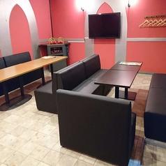 5~8名様用の個室です♪大小様々なお部屋をご用意♪設備も最新機種を取り揃えております☆店内も清潔感にこだわり、いつでも綺麗を心掛けております!禁煙ルームもございます。