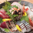 おいしい魚が食べたいと思ったら是非ご来店を!今日も活きのいい魚を仕入れています!今が旬の魚から定番の魚まで種類豊富にご用意。刺身盛り合わせはボリューム◎です!その日のおすすめはスタッフまでお尋ね下さい♪
