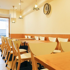 【テーブル:2名席(9卓)】テーブル席はレイアウト自由なので2名様でも、4~5名の少人数でもwelcomeです!コースも充実◎女子会/送別会/歓迎会/入園祝い/入学祝いなどにご利用ください♪