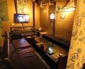 ソファ席はモニターつき♪ゲームしたり、結婚式二次会でムービーを流したり、、色んなシーンで使っていただけます。