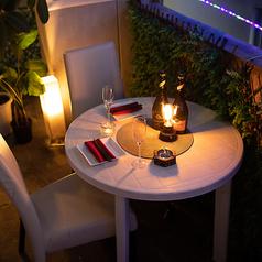 デートや記念日におすすめのプライベート空間。落ち着きあるシックな空間は、お祝い事にもおすすめです。サプライズにぴったりの特典もご用意しておりますので、クーポンページまたはお電話にてご確認ください。