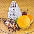 料理メニュー写真ティラミスホイップのリコッタパンケーキ+チョコバナナ