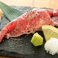 料理メニュー写真中トロ/大トロ/爆トロ(肉)