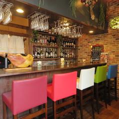 カウンターのお席は5席ご用意しておりますので、お一人のお客様や並んでお食事を愉しまれる方は是非ご利用ください。