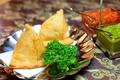 料理メニュー写真チキンサモサ/ベジタブルサモサ (各1pc)
