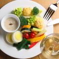 【pescheria KASAIの魅力紹介その1】≪良い食材を手頃な価格で≫ シェフこだわりの旬で新鮮な食材をお手頃価格で楽しんでほしい!という想いのこもった料理の数々。