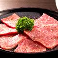料理メニュー写真30日熟成 石しゃぶ黒毛A5シルクロース