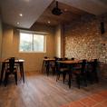 お席同士は広くスペースを空け営業しており、落ち着いて美味しい料理やお酒をご堪能いただけます♪