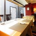 テーブル席は広々としているので、ファミリーでも安心してくつろげる空間となっています。
