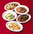 料理メニュー写真野菜炒め、もやし炒め、マーボー豆腐<辛>、ニラと玉子炒め