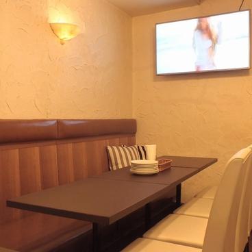 CARINE Casual Lounge カリーネの雰囲気1