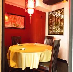 おしゃれな空間で絶品料理をお楽しみください。4名様までの完全個室もご用意しております。