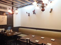 テーブルは、4人掛×2・6人掛をご用意しております!
