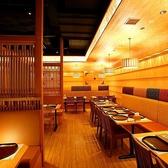●はないちもんめ● 開放感のあるテーブル席。赴きある店内でごゆっくりおくつろぎください。2~8名様用テーブル席×13
