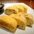 料理メニュー写真◆バジルのだし巻き卵 シラスとオリーブオイルのソースで◆