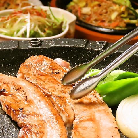17年続く福岡の韓国料理屋の支店♪本場のサムギョプサルやチーズタッカルビがおすすめ