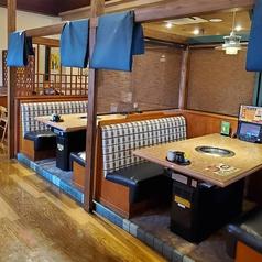 ゆったりお寛ぎ頂ける個室を完備◎まわりを気にせず、ご家族やご友人とのお食事をお楽しみ頂けます。