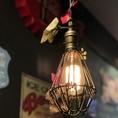 ランプも店内の雰囲気に合わせて素敵なものをチョイス♪
