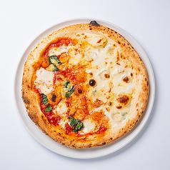 ハーフ&ハーフ(マルゲリータ&4種チーズのとろ~りピッツァ)