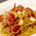 料理メニュー写真 トマトとモッツァレラチーズのスパゲティ