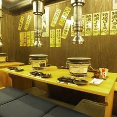 1階【テーブル席】サクッと気軽に寄れるアットホームな空間。