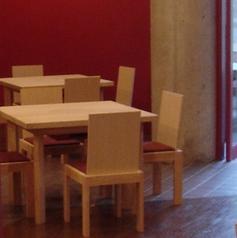 4人掛けテーブル席。