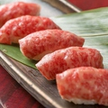 料理メニュー写真特選A4和牛肉寿司 4貫