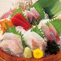 料理メニュー写真直送鮮魚入り刺身5点盛り