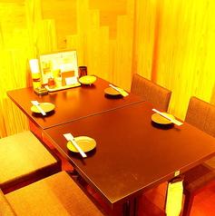 テーブル席を多数ご用意しております。人数に合わせてお席にご案内いたします。