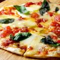 料理メニュー写真マルゲリータ/4種のチーズピザ