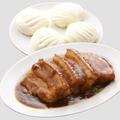 料理メニュー写真曹操豚バラ肉の醤油煮込(蒸しパン添え)2枚/追加1枚