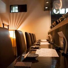 オススメのカウンターは特等席です。料理長自らお料理のオススメや説明などお話しながらお酒を楽しんでもらえます。結構ゆっくりできるお席なので一度座ってみてはいかがですか??