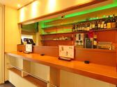 店内入口からすぐのカウンターは立ち飲み専用です。ふらっと一人でやサク飲みにお使いください![女子会/宴会/誕生日/デート/広島/果実酒/単品飲み放題/袋町/スイーツ/デザート/肉/野菜/コース]
