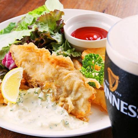 三条京阪駅より徒歩1分!世界の生ビールが楽しめるアイリッシュパブ♪