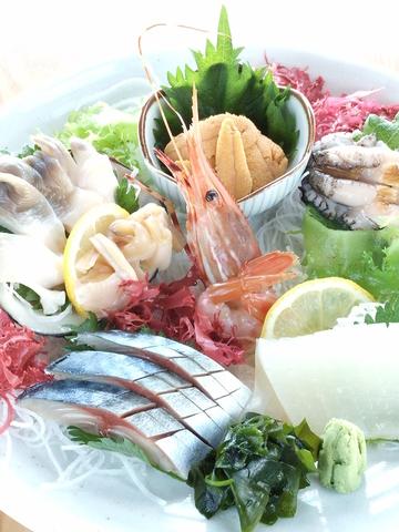 【5月15日】から生うに・あわびの収穫が解禁!お刺身、郷土料理、丼ぶりで旬を堪能!
