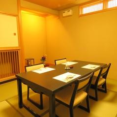 周りを気にせずお楽しみいただける個室もご用意しております。